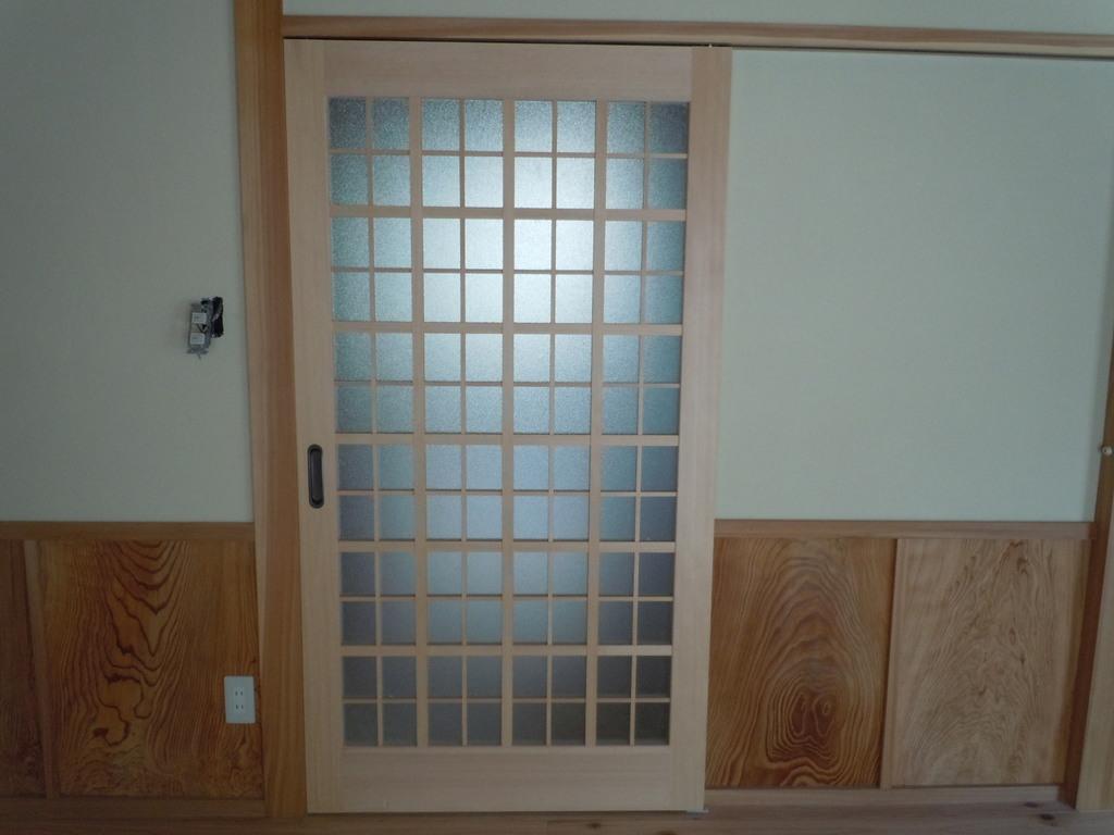 お得意様の故郷秋田県の友人宅の両面格子片引き戸